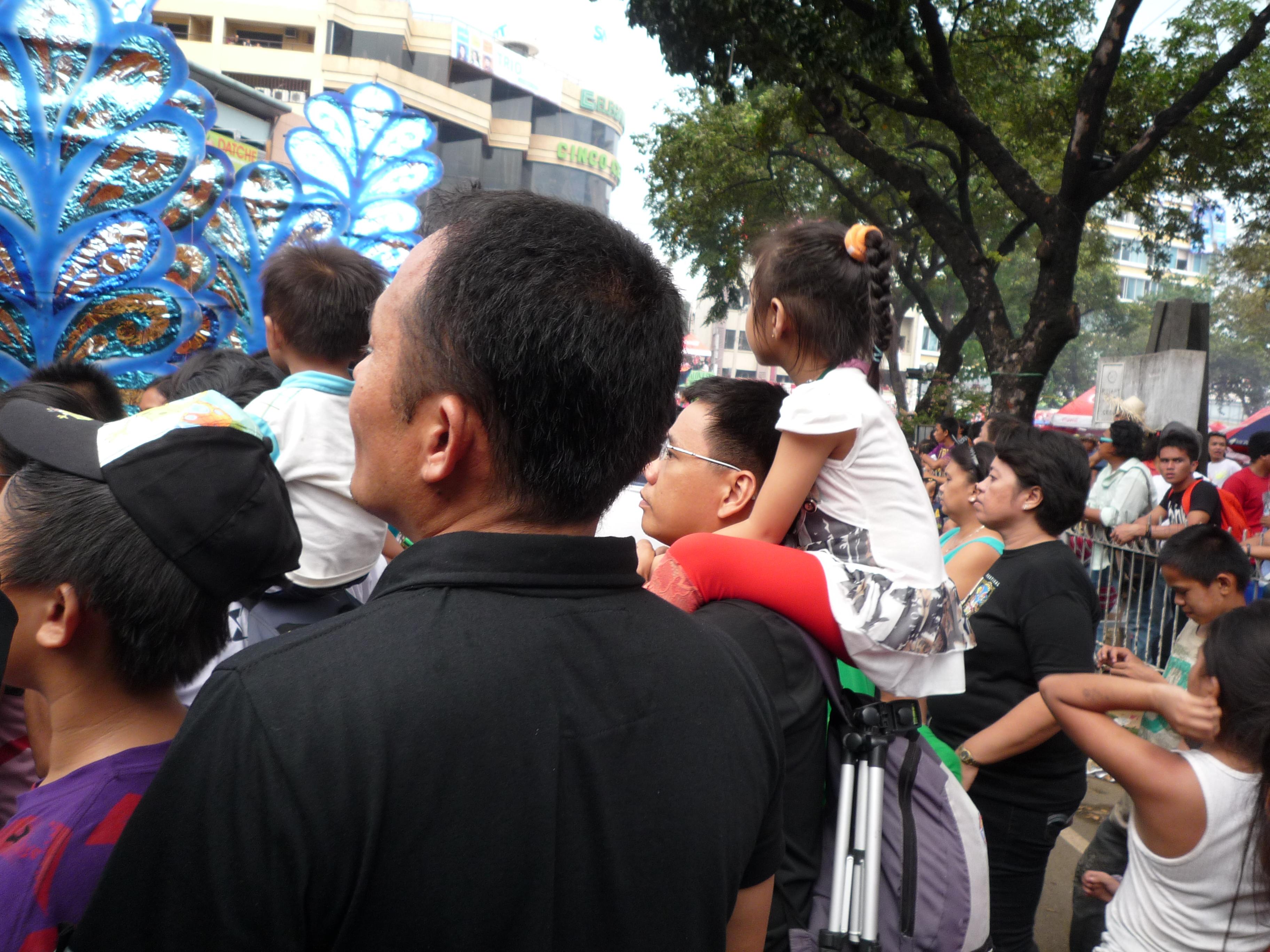 フィリピンでの散髪 ちょっとバリカン。。。