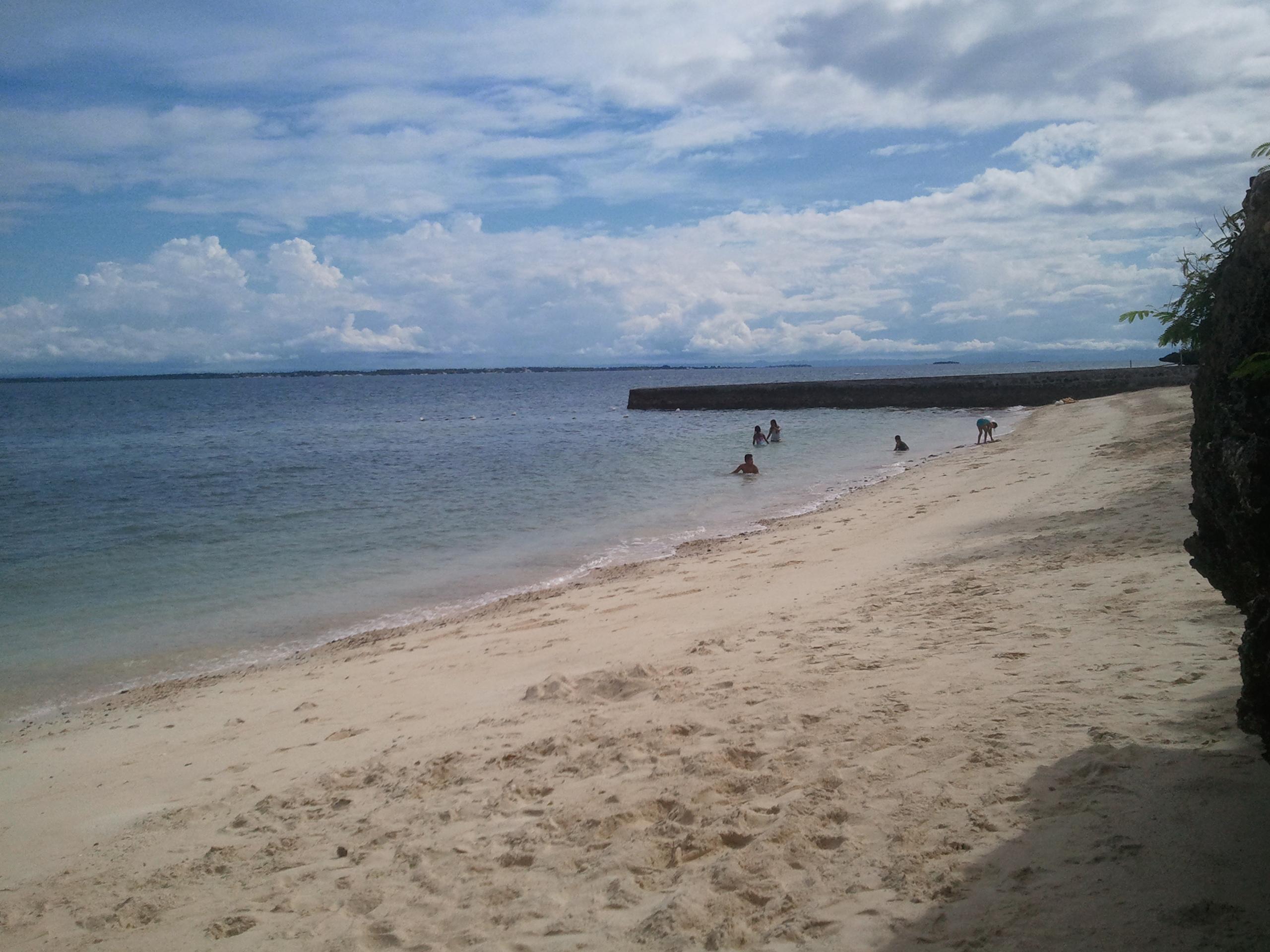 フィリピンに戻る ④ビーチ!