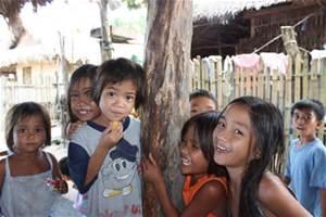 貧困による栄養不良の子供が360万人@フィリピン