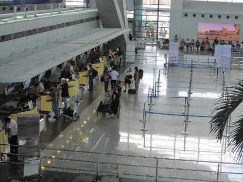 フィリピン航空とセブパシがAPECでの欠航で合わせて12億ペソの損失