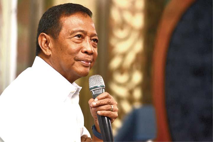 フィリピン大統領選の支持率、ビナイ氏が一年ぶりにトップ返り咲き