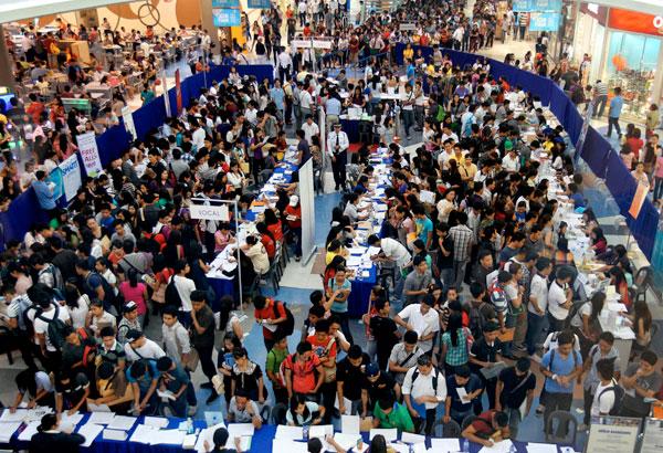 フィリピンの失業率、2015年は下降し6.3%
