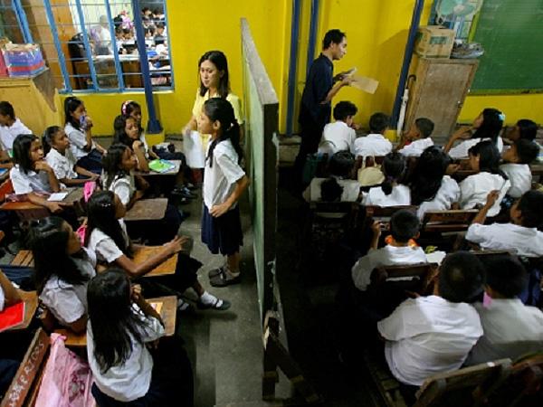 「高校」設立で20-40万人の中退者が出る予測@フィリピン